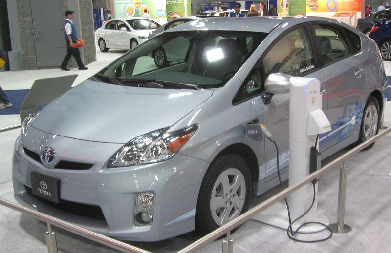 Toyota_Prius_plug-in_--_2010_DC
